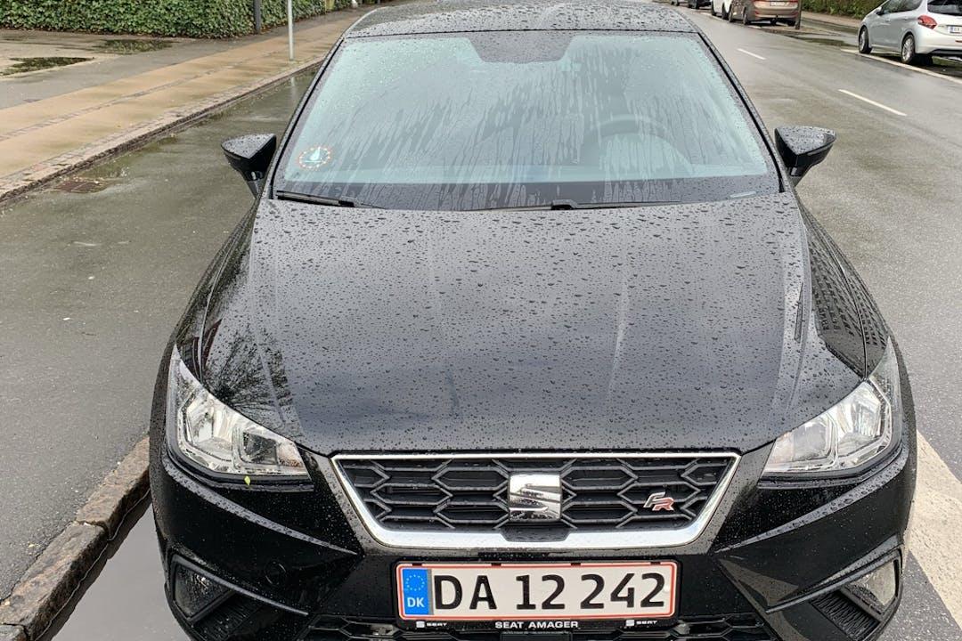Billig billeje af Seat Ibiza med GPS nær 2400 København.