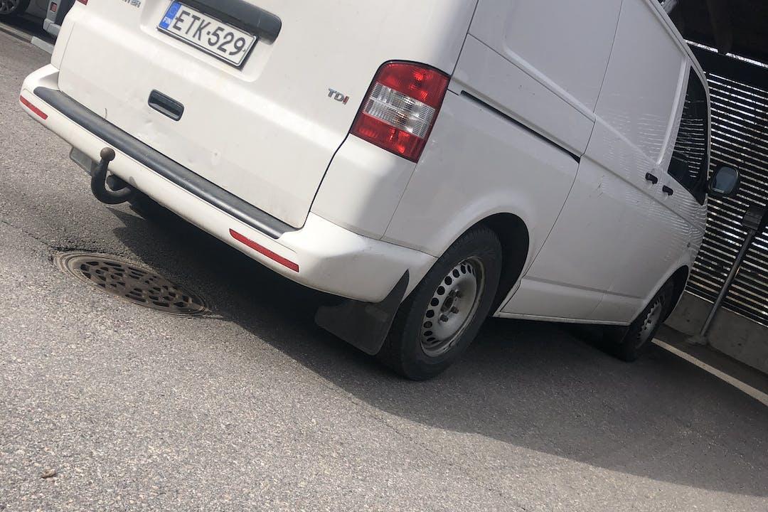 Volkswagen Transportern halpa vuokraus Vetokoukkun kanssa lähellä 00370 Helsinki.