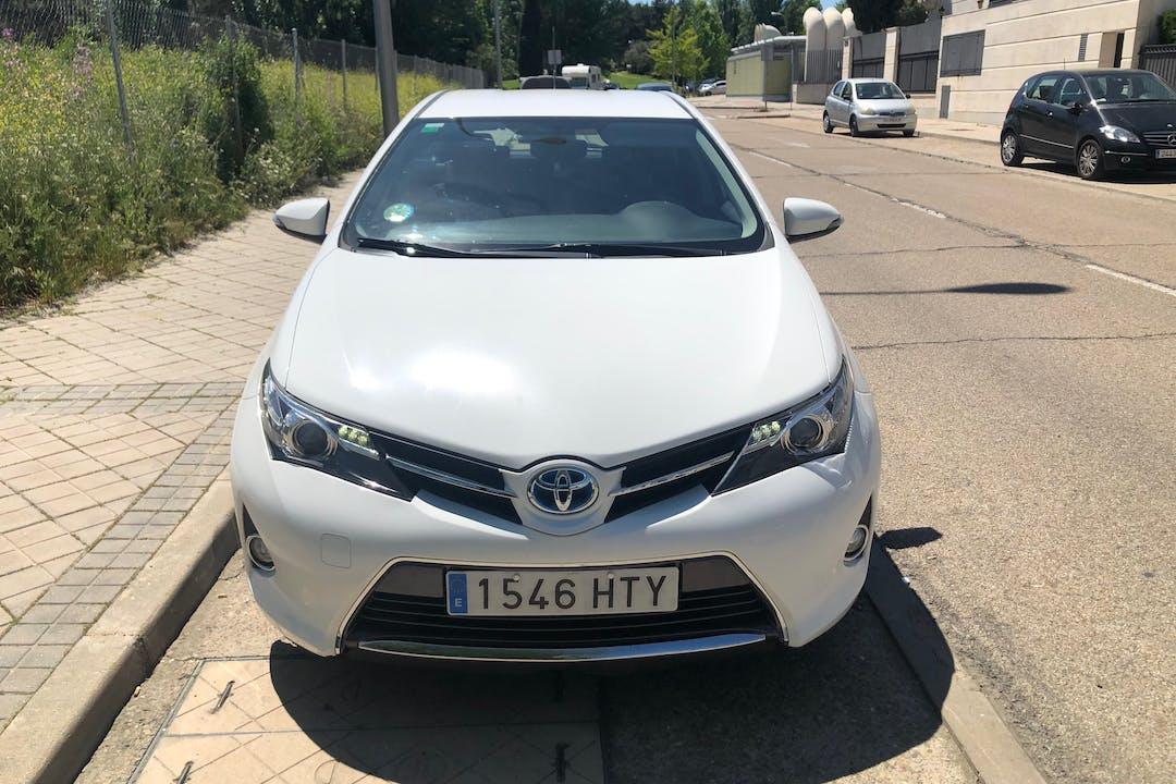 Alquiler barato de Toyota Auris cerca de 28028 Madrid.