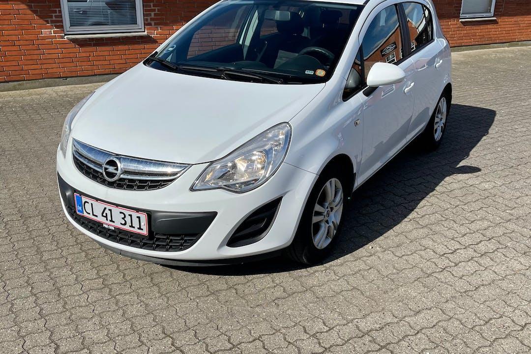 Billig billeje af Opel Corsa nær 6600 Vejen.