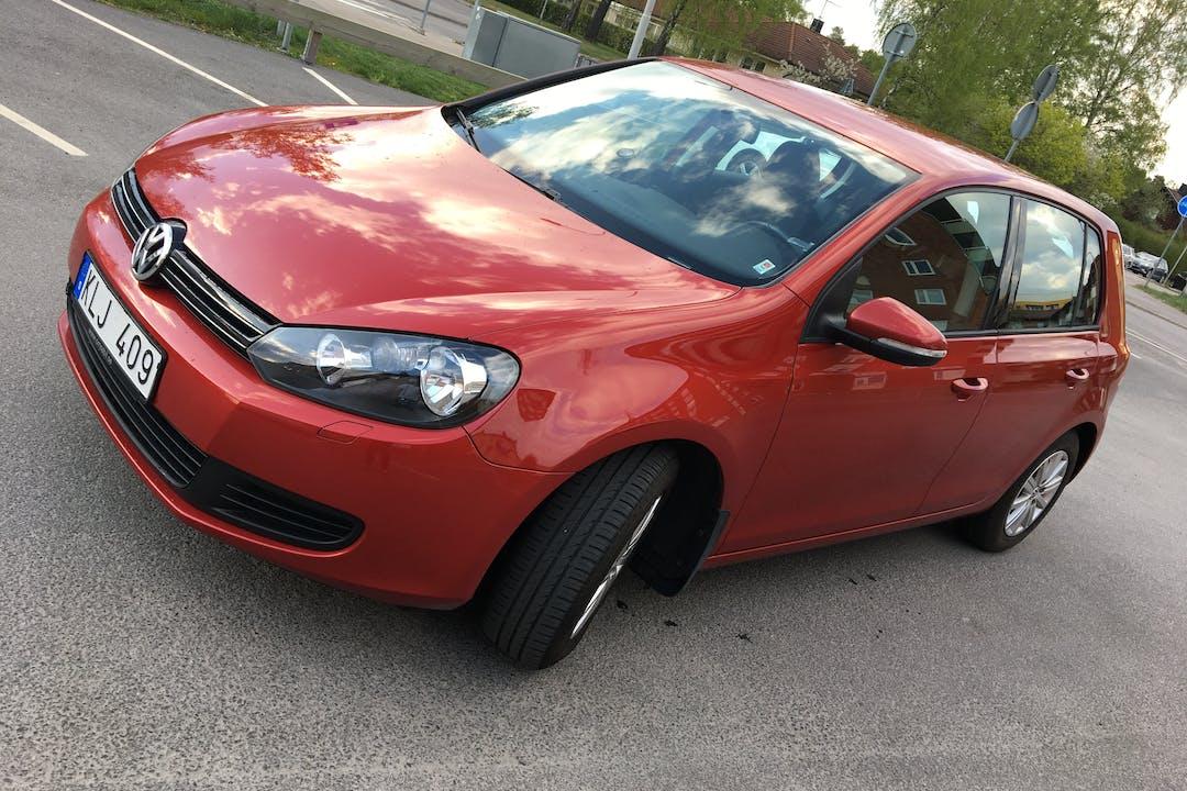 Billig biluthyrning av Volkswagen Golf med Isofix i närheten av 233 31 .