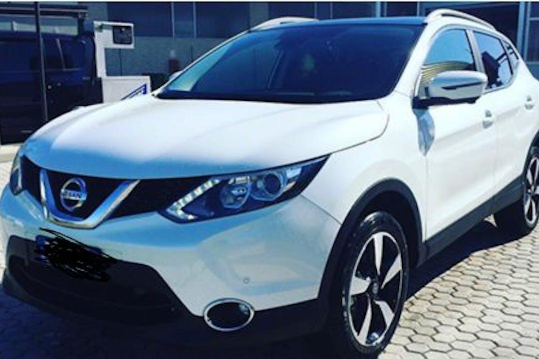 Alquiler barato de Nissan Qashqai cerca de  Donostia.