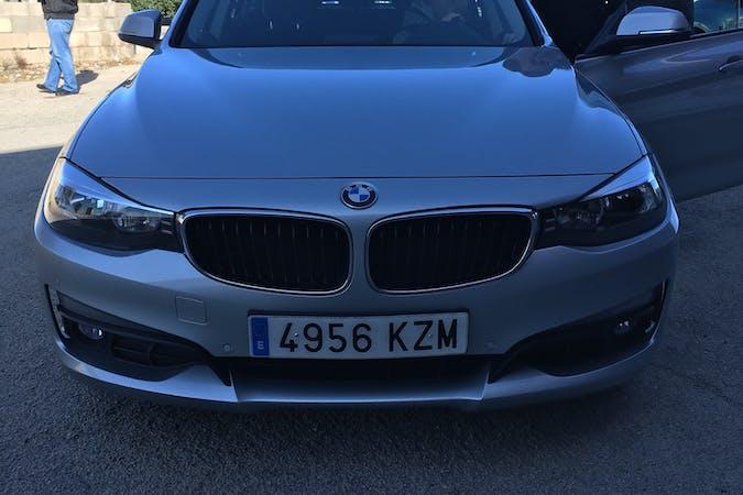 Alquiler barato de BMW 3 Series con equipamiento GPS cerca de 46011 València.