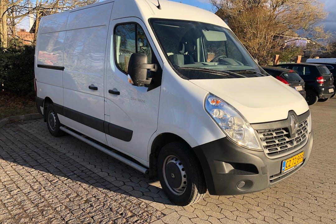 Billig billeje af Renault Master nær 2100 København.