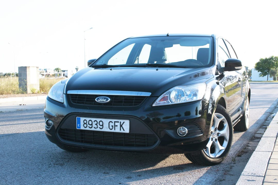 Alquiler barato de Ford Focus cerca de 41018 Sevilla.