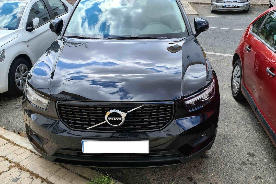 Alquiler barato de Volvo XC40 con equipamiento Bluetooth cerca de 41013 Sevilla.