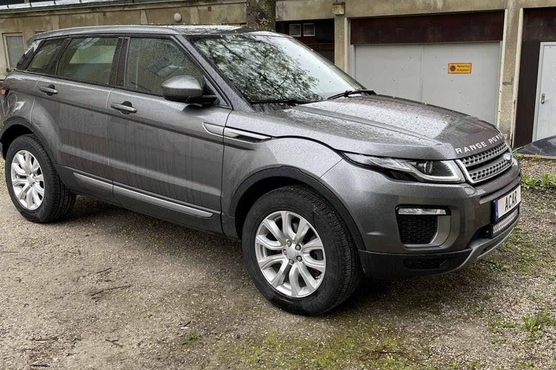Billig biluthyrning av Land Rover Range Rover Evoque med GPS i närheten av 812 31 Sandviken V.