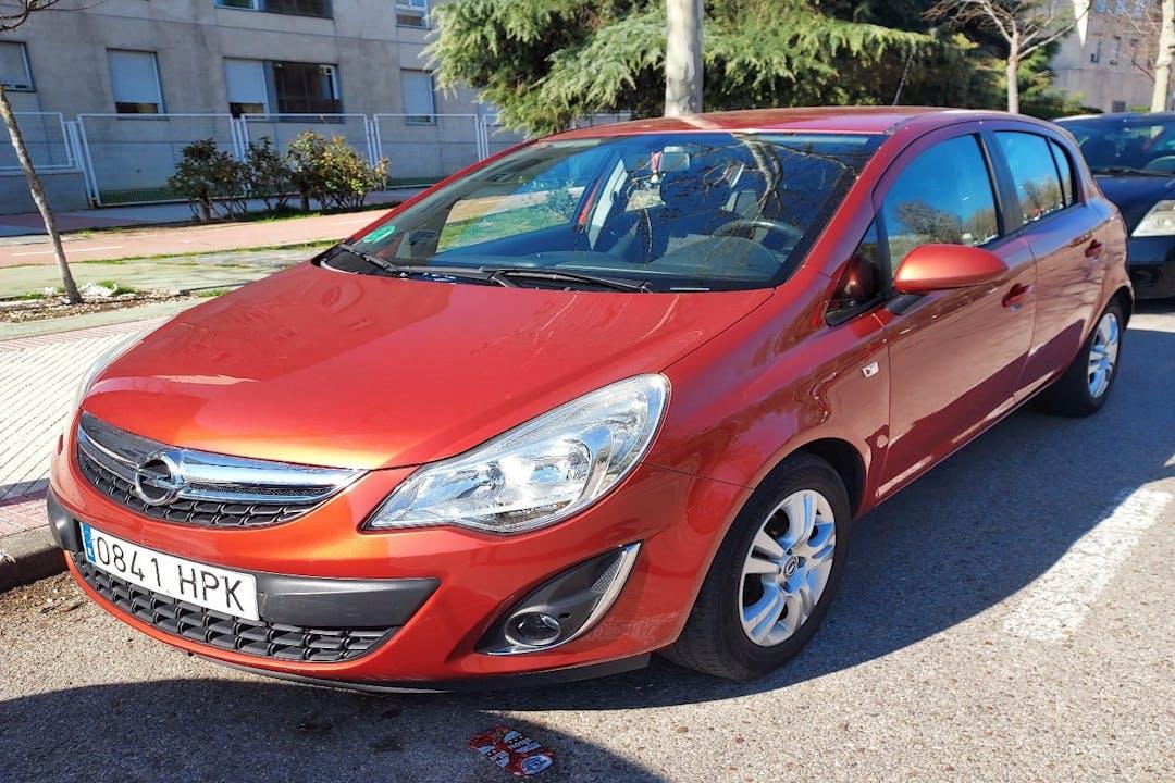 Alquiler barato de Opel Corsa cerca de 28033 Madrid.