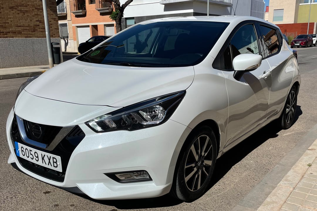 Alquiler barato de Nissan Micra con equipamiento GPS cerca de 46005 València.