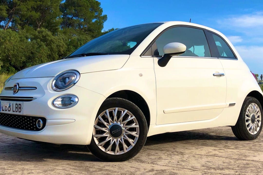 Alquiler barato de Fiat 500 1.2 Glp Lounge cerca de 46014 València.