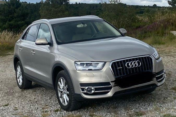 Alquiler barato de Audi Q3 con equipamiento Bluetooth cerca de  Lugo.