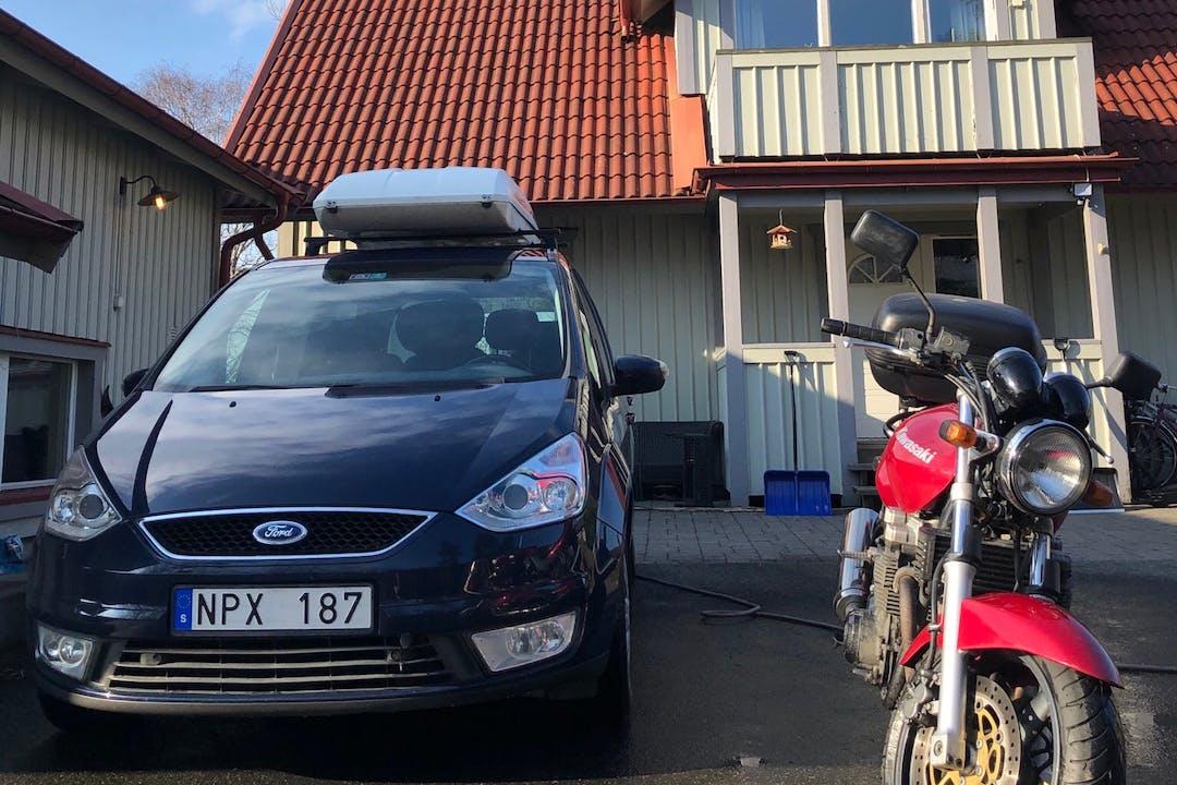 Billig biluthyrning av Ford Galaxy med GPS i närheten av 435 44 Mölnlycke Södra.