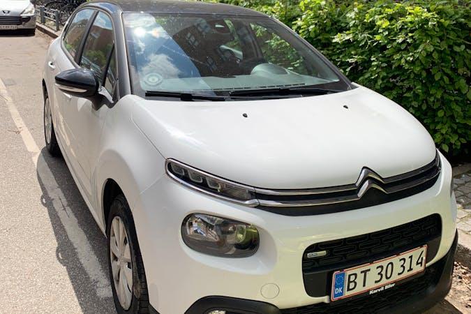 Billig billeje af Citroën C3 med GPS nær 2200 København.