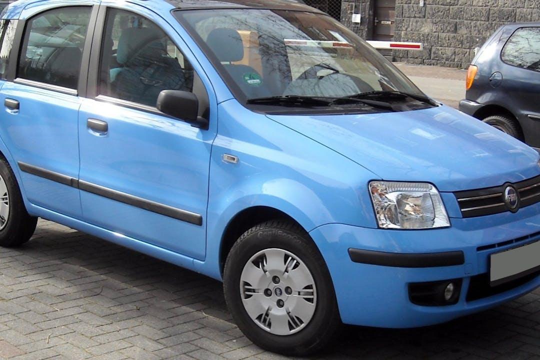 Alquiler barato de Fiat Panda cerca de 07703 Maó.