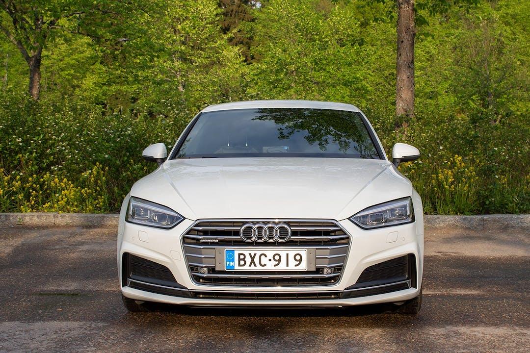 Audi A5 Sportbackn halpa vuokraus Bluetoothn kanssa lähellä 00700 Helsinki.