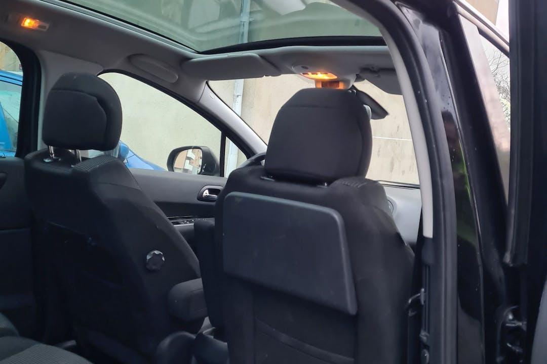 Billig biluthyrning av Peugeot 5008 med Isofix i närheten av 149 51 Nynäshamn.