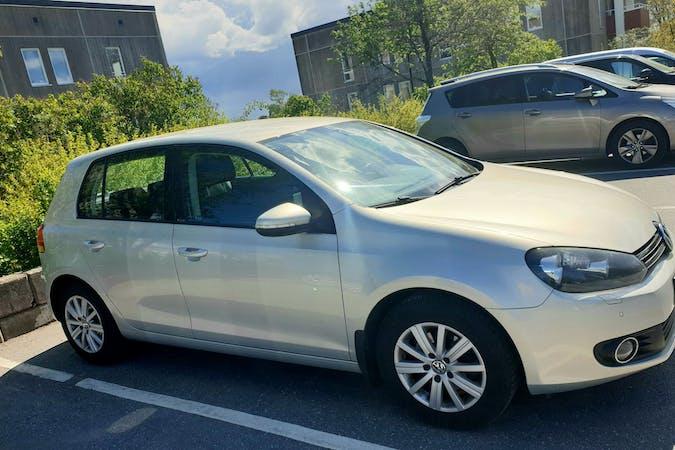 Billig biluthyrning av Volkswagen Golf Variant i närheten av  .