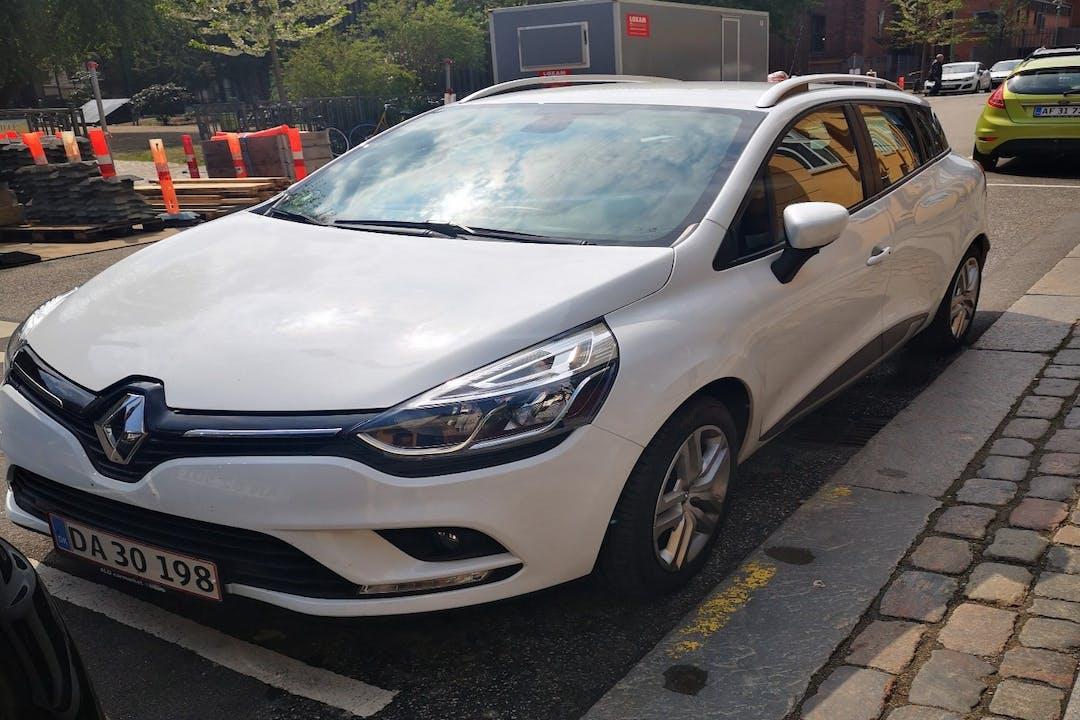 Billig billeje af Renault Clio nær  København.