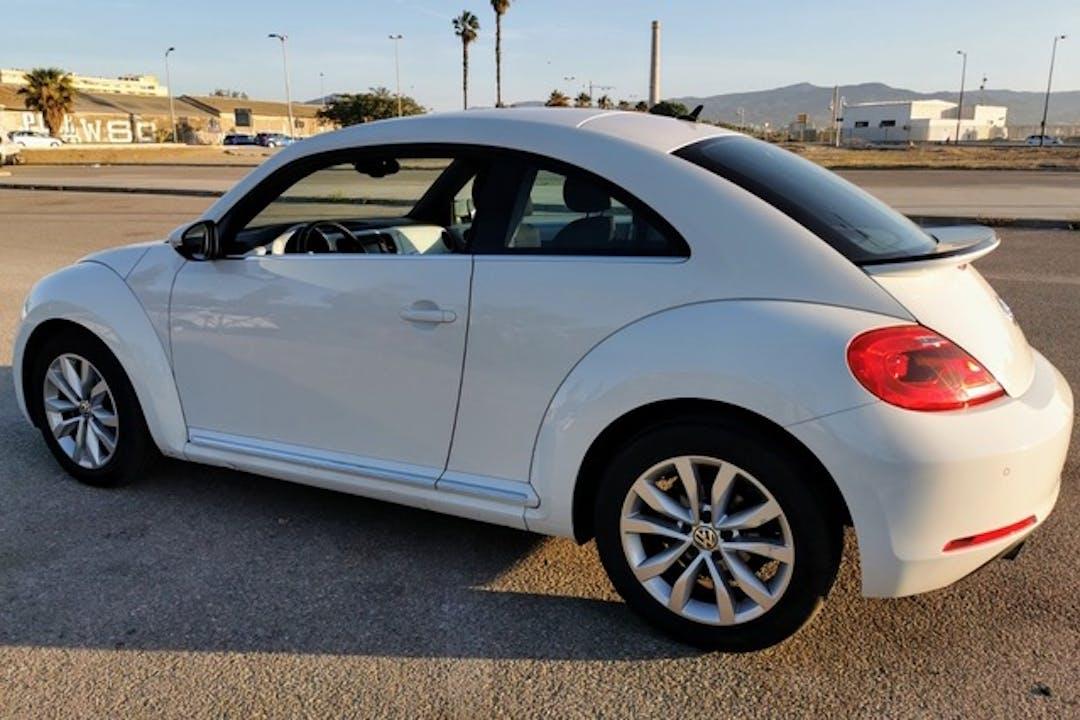 Alquiler barato de Volkswagen Beetle cerca de  Girona.