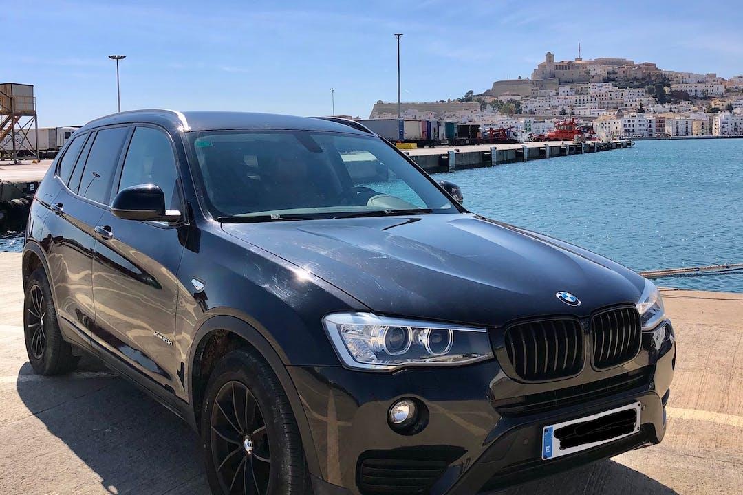 Alquiler barato de BMW X3 con equipamiento GPS cerca de 07800 .