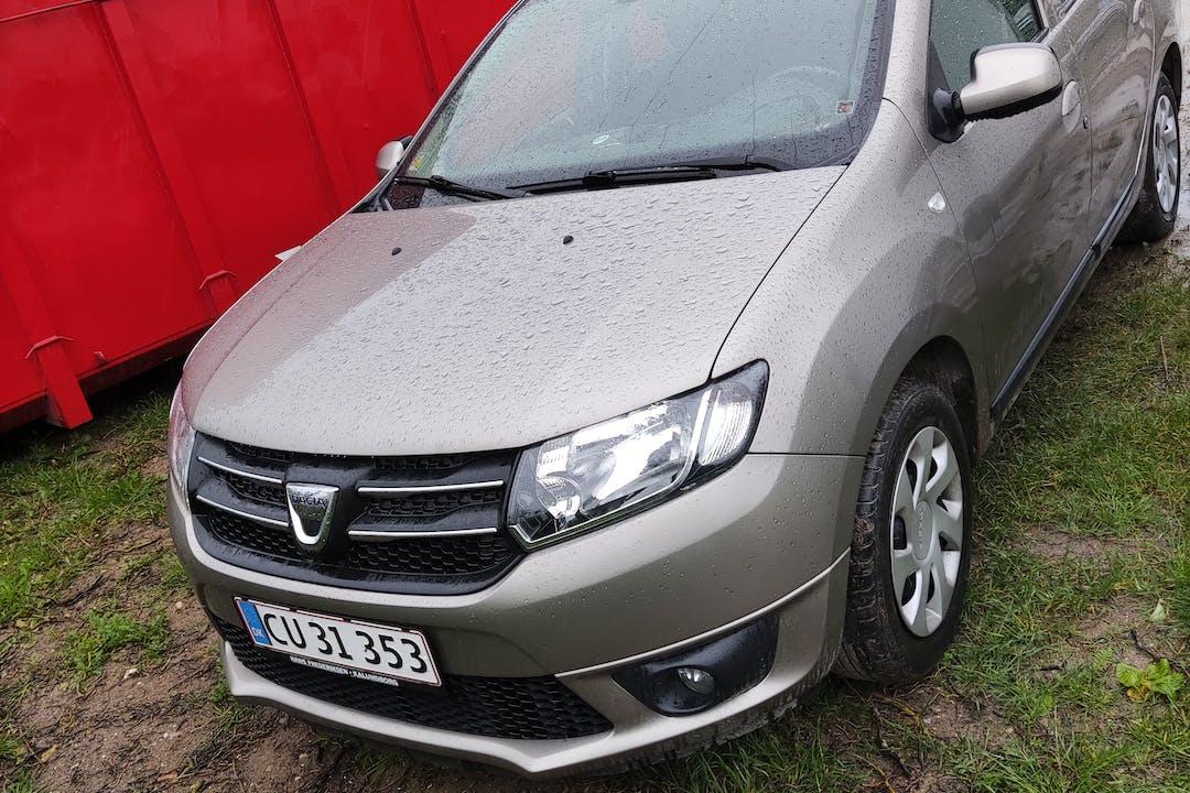 Billig billeje af Dacia Logan med GPS nær 5220 Odense.
