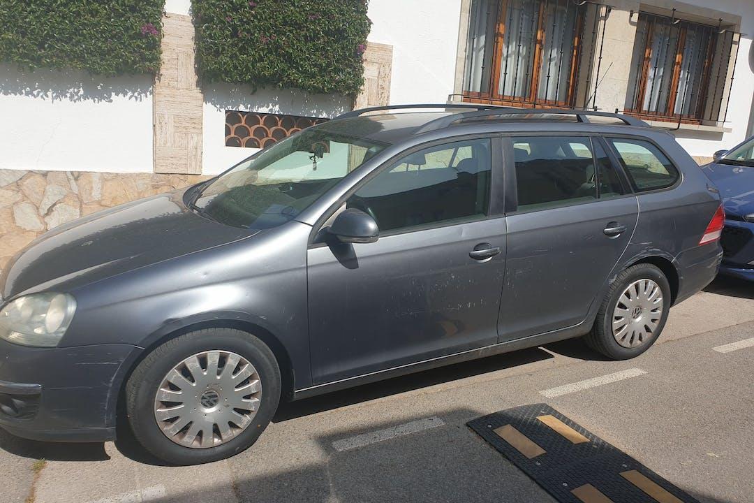 Alquiler barato de Volkswagen Golf Variant con equipamiento Bluetooth cerca de 17220 Sant Feliu de Guíxols.