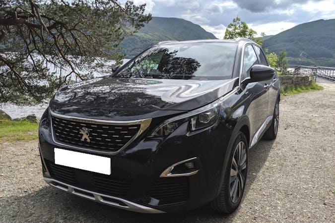 Alquiler barato de Peugeot 3008 con equipamiento GPS cerca de 46018 València.