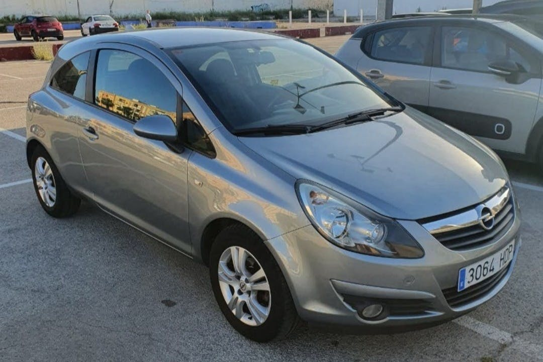 Alquiler barato de Opel Corsa cerca de 46026 València.