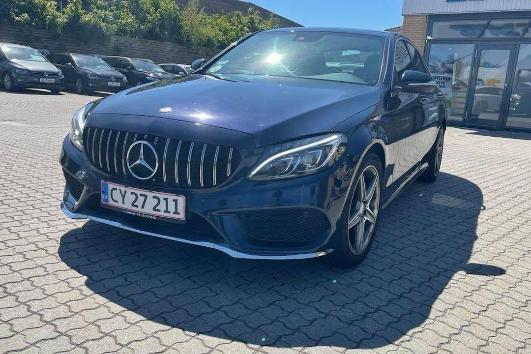Billig billeje af Mercedes C-Class med GPS nær 2920 Charlottenlund.