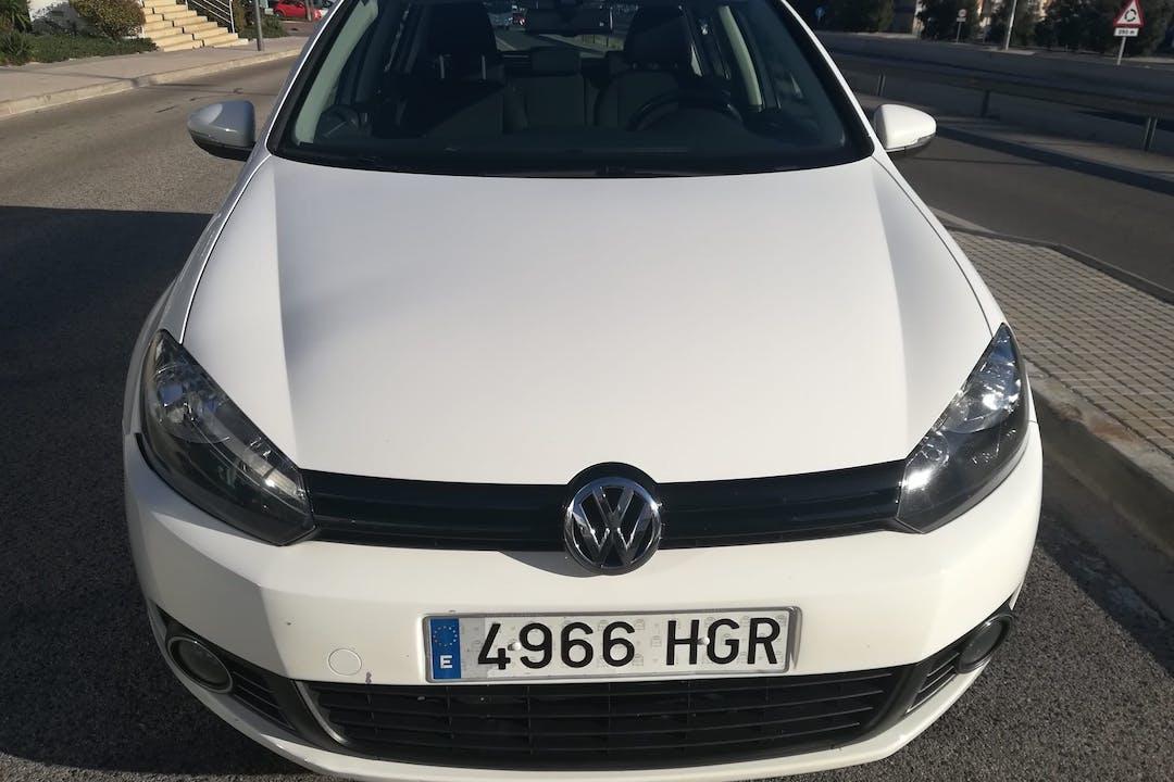 Alquiler barato de Volkswagen Golf con equipamiento Fijaciones Isofix cerca de 43006 Tarragona.