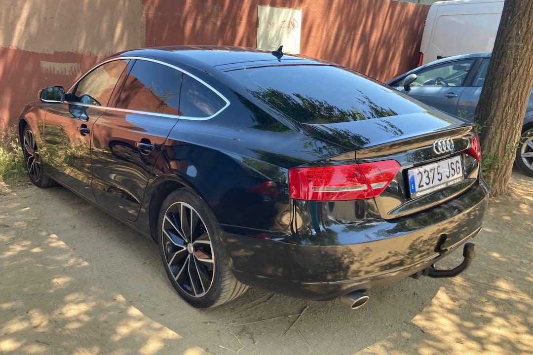 Alquiler barato de Audi A5 Sportback con equipamiento GPS cerca de 08014 Barcelona.
