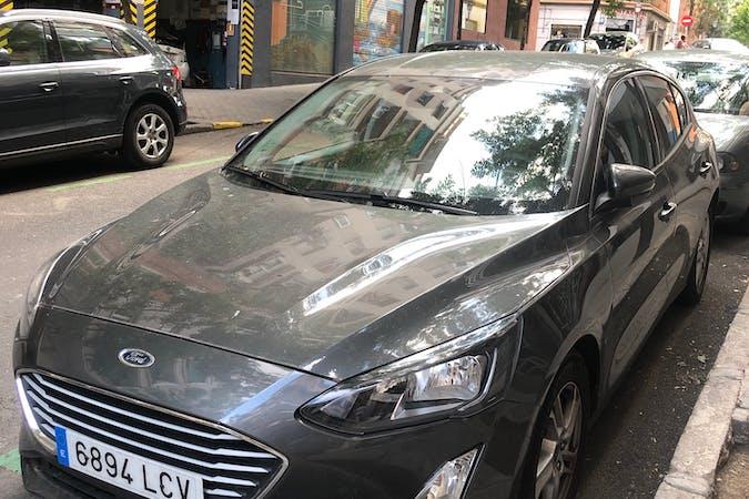 Alquiler barato de Ford Focus con equipamiento GPS cerca de 28005 Madrid.