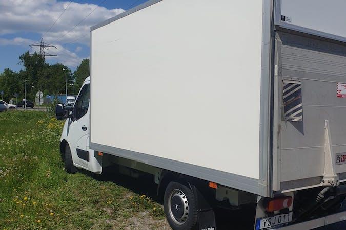 Billig biluthyrning av Opel Movano med Bluetooth i närheten av 113 27 Norrmalm.