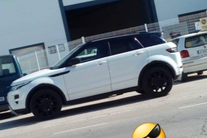 Alquiler barato de Land Rover Range Rover Evoque con equipamiento GPS cerca de 23710 Bailén.