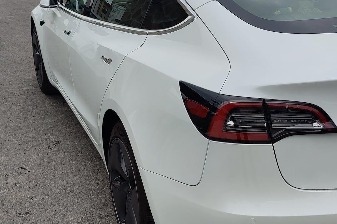 Tesla Model 3n halpa vuokraus GPSn kanssa lähellä 00710 Helsinki.