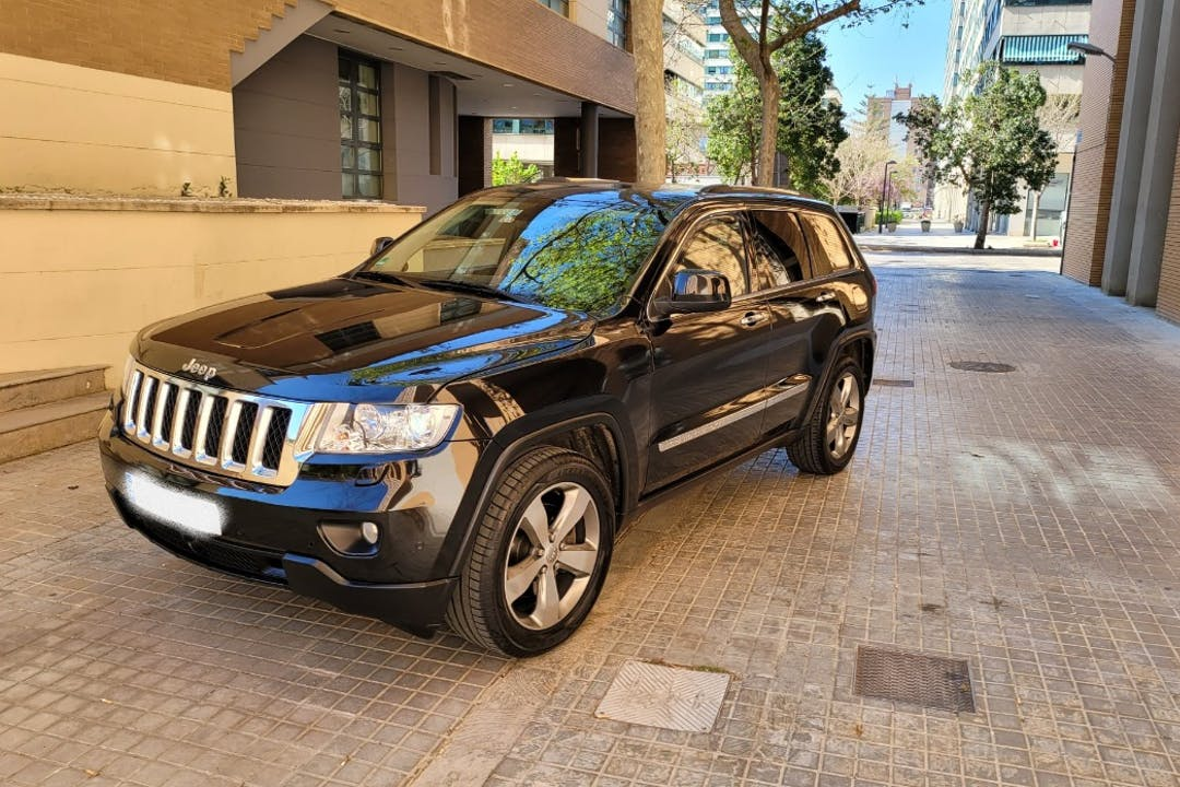 Alquiler barato de Jeep Grand Cherokee cerca de 46013 València.