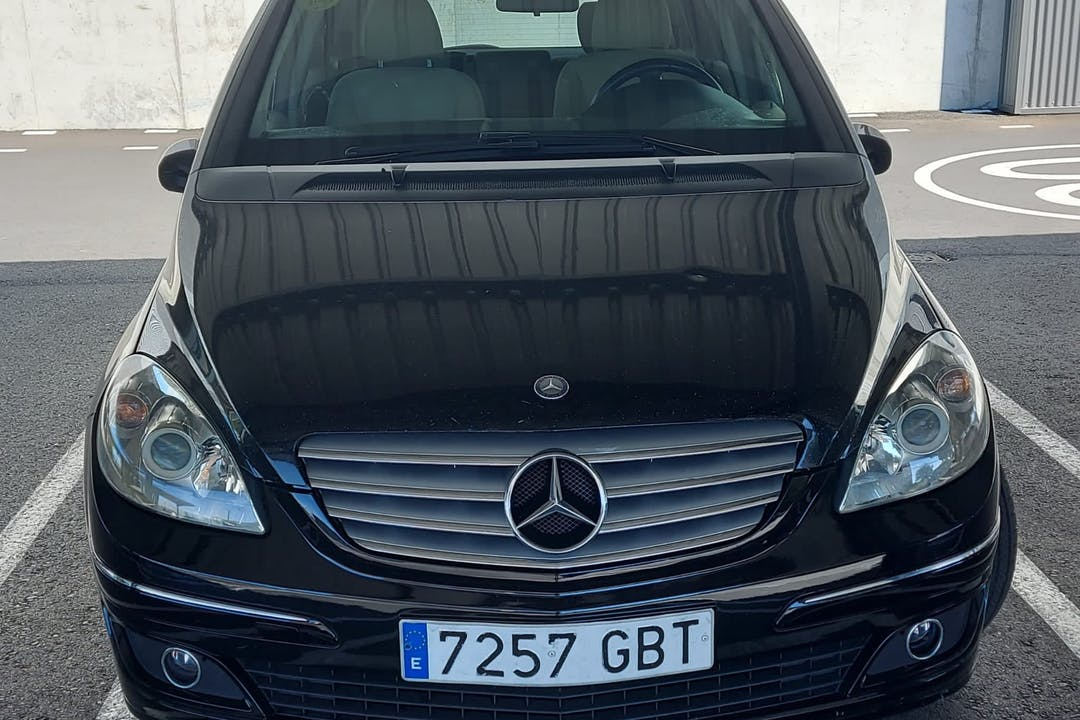 Alquiler barato de Mercedes B-Class cerca de  Móstoles.