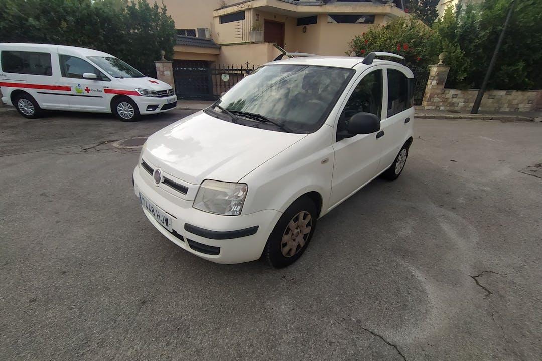 Alquiler barato de Fiat Panda cerca de 07610 .