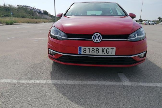 Alquiler barato de Volkswagen Golf cerca de  .