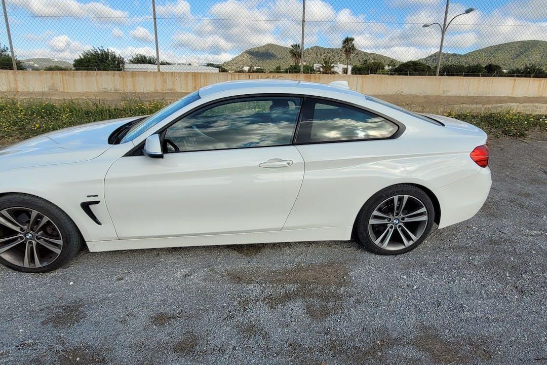 Alquiler barato de BMW 4 Series con equipamiento GPS cerca de 07817 Sant Jordi de Ses Salines, Islas Baleares.