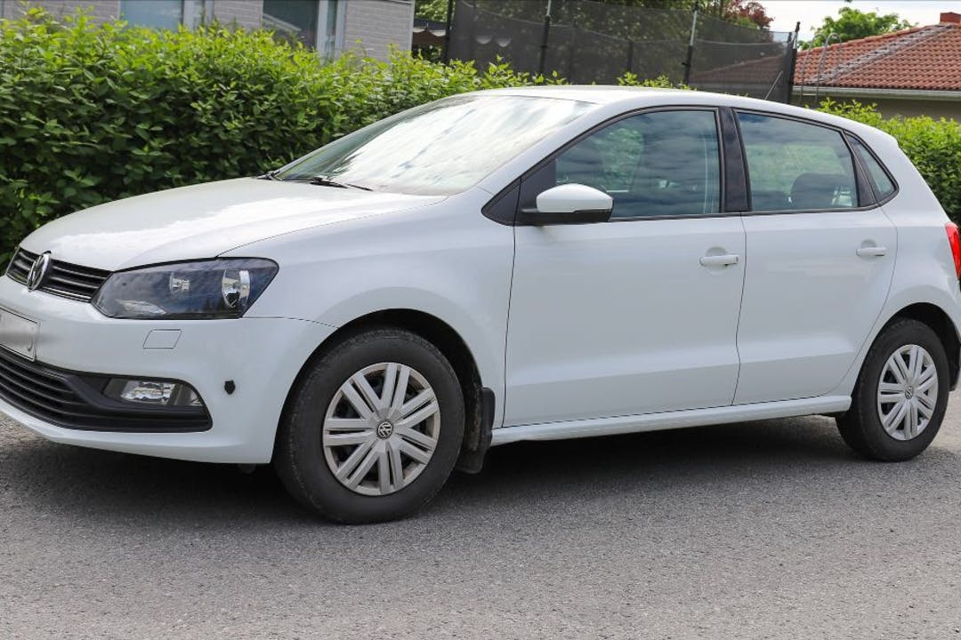 Volkswagen Polon halpa vuokraus Isofix-kiinnikkeetn kanssa lähellä 33450 .