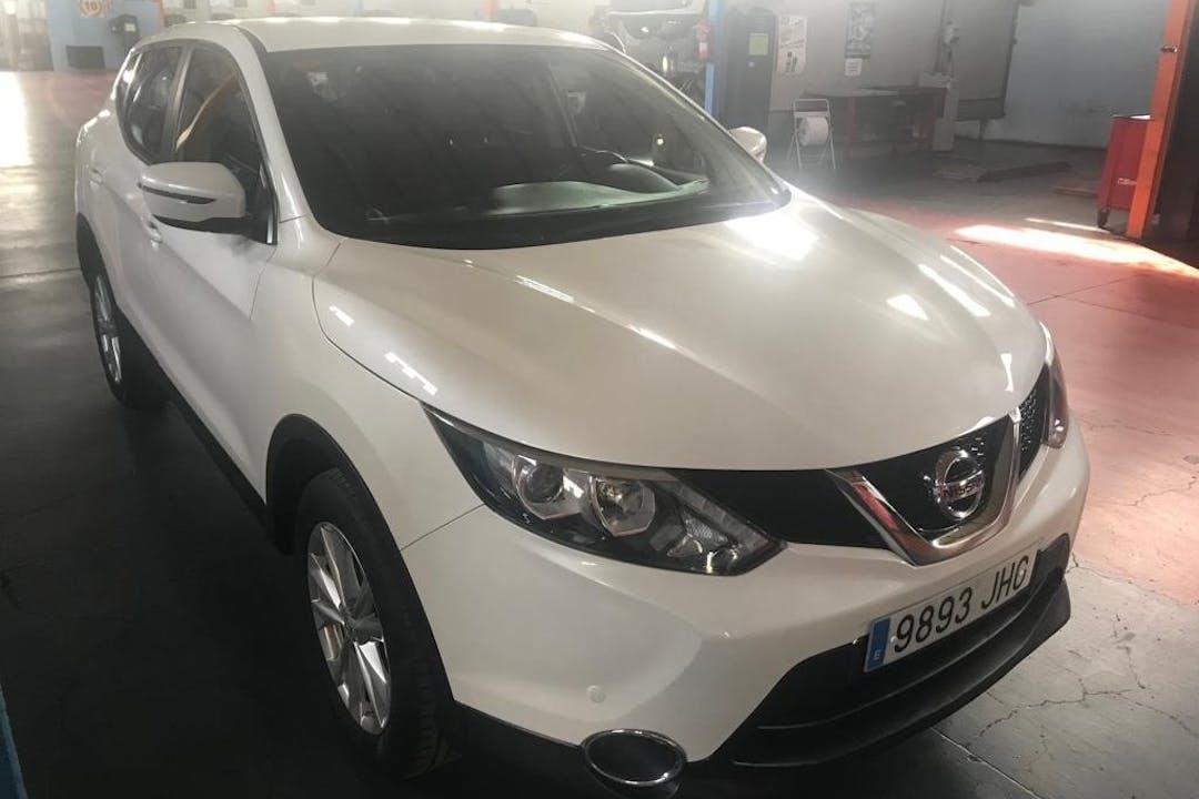 Alquiler barato de Nissan Qashqai con equipamiento Fijaciones Isofix cerca de 28027 Madrid.