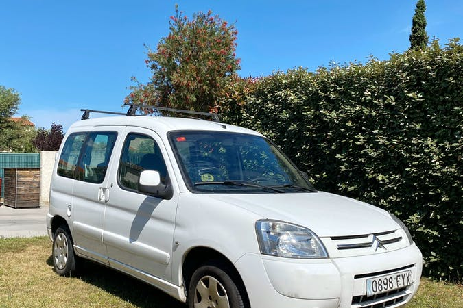 Alquiler barato de Citroën Berlingo cerca de 08027 Barcelona.