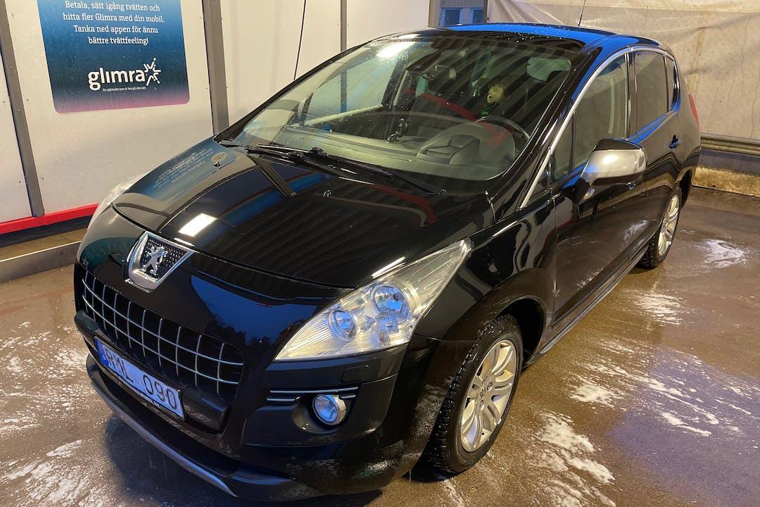 Billig biluthyrning av Peugeot 3008 med Isofix i närheten av  .