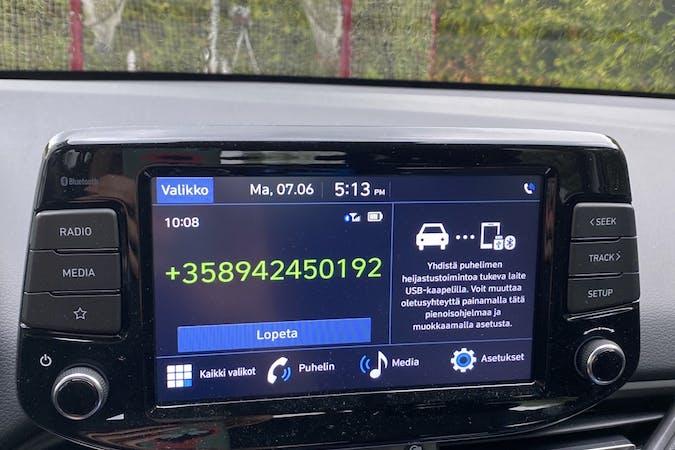 Hyundai i30n halpa vuokraus Bluetoothn kanssa lähellä 00970 Helsinki.