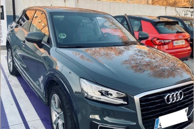 Alquiler barato de Audi Q2 con equipamiento GPS cerca de 08020 Barcelona.
