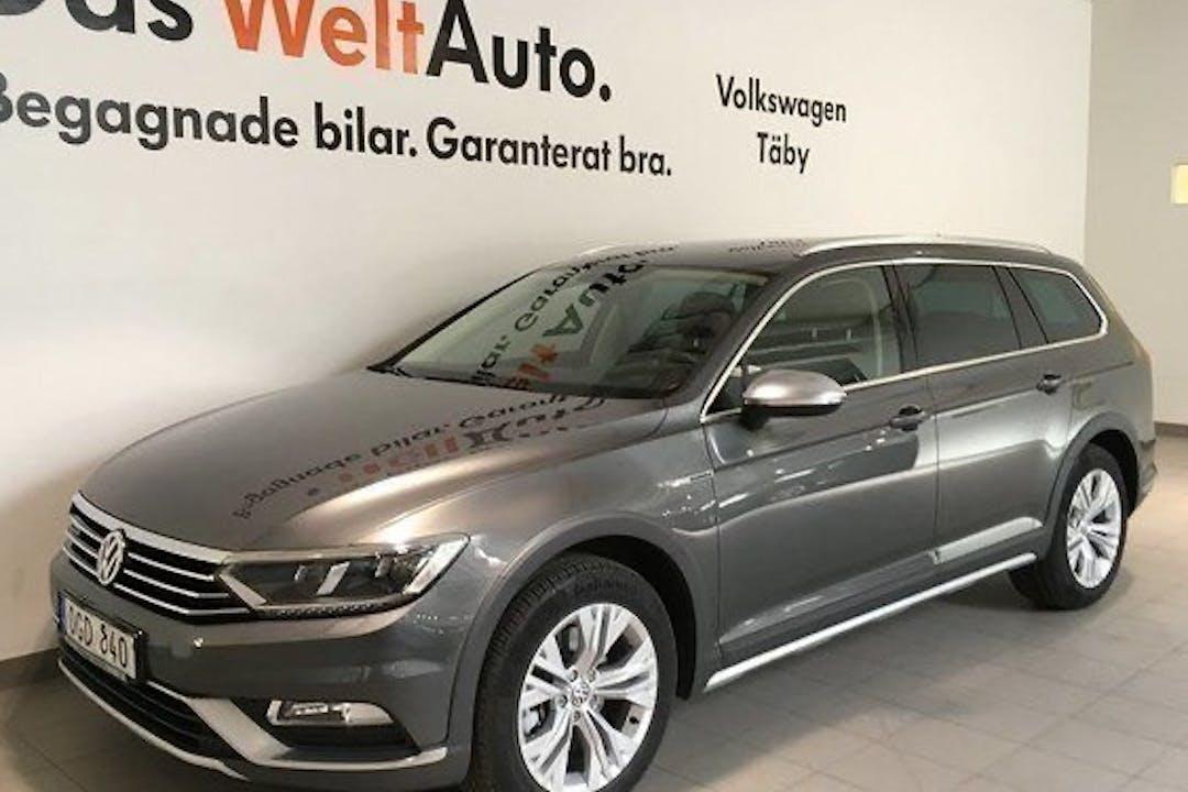 Billig biluthyrning av Volkswagen Passat i närheten av  Södermalm.