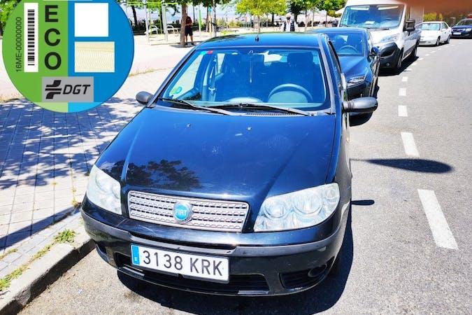 Alquiler barato de Fiat Punto con equipamiento Fijaciones Isofix cerca de 28038 Madrid.