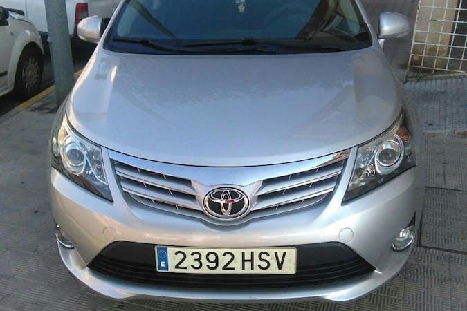 Alquiler barato de Toyota Avensis con equipamiento GPS cerca de 10600 Plasencia.