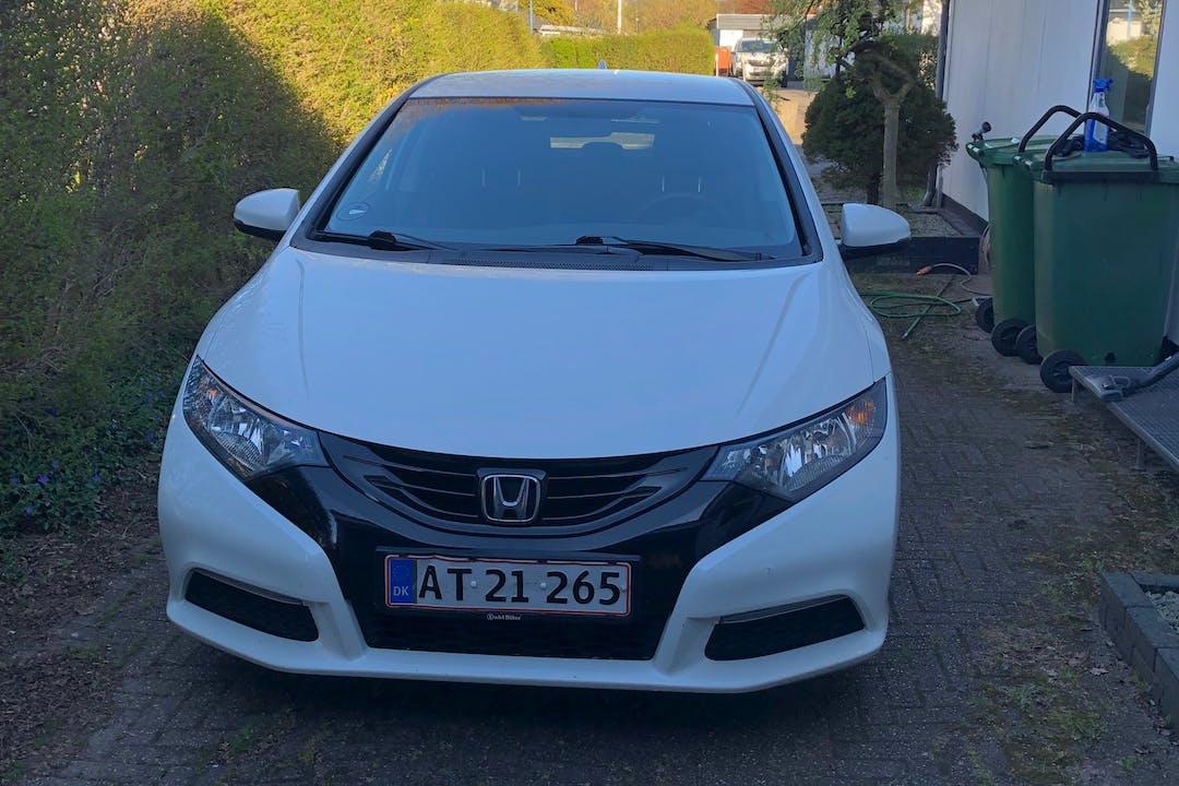 Billig billeje af Honda Civic med GPS nær 7500 Holstebro.